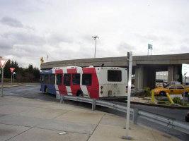 shuttle bus r.jpg