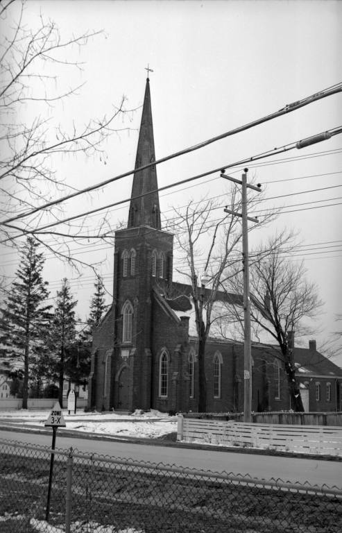 Downsview United Church courtesy of TorontoPublicLibrary.jpg