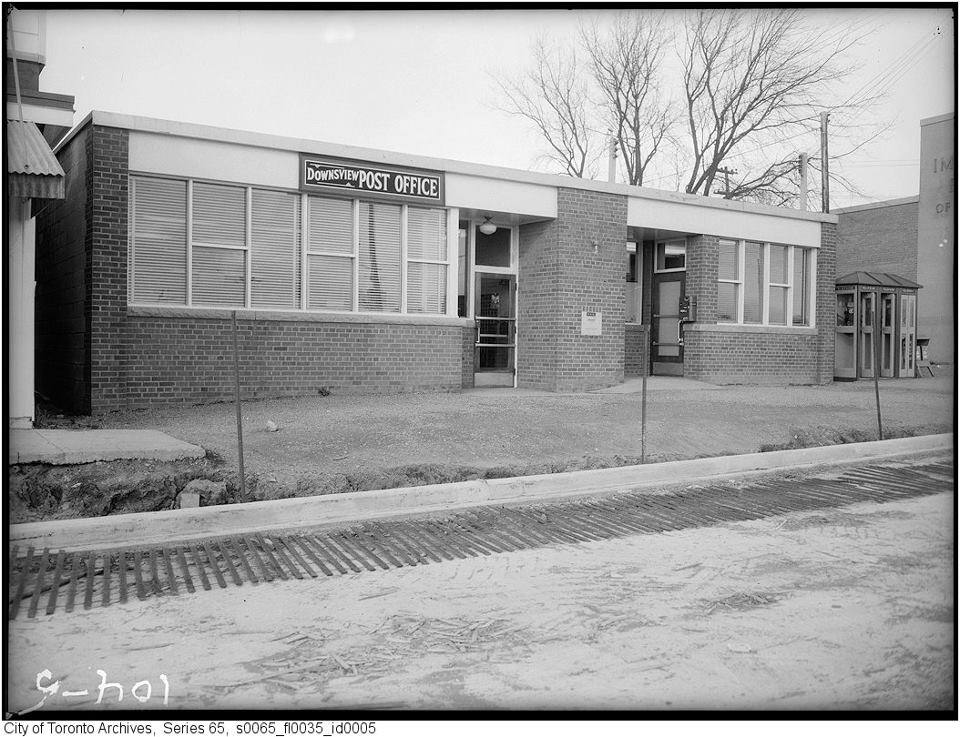 Downsview Post Office Keele Wilson NW corner.jpg