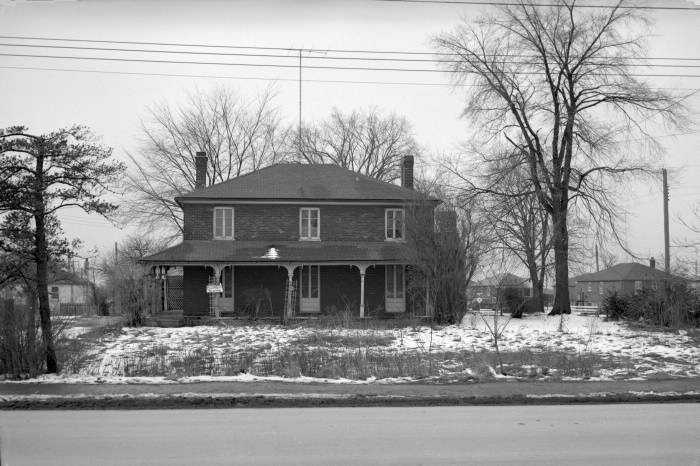 House Keele St., W side, s. of Wandle Ave, 1954.jpg