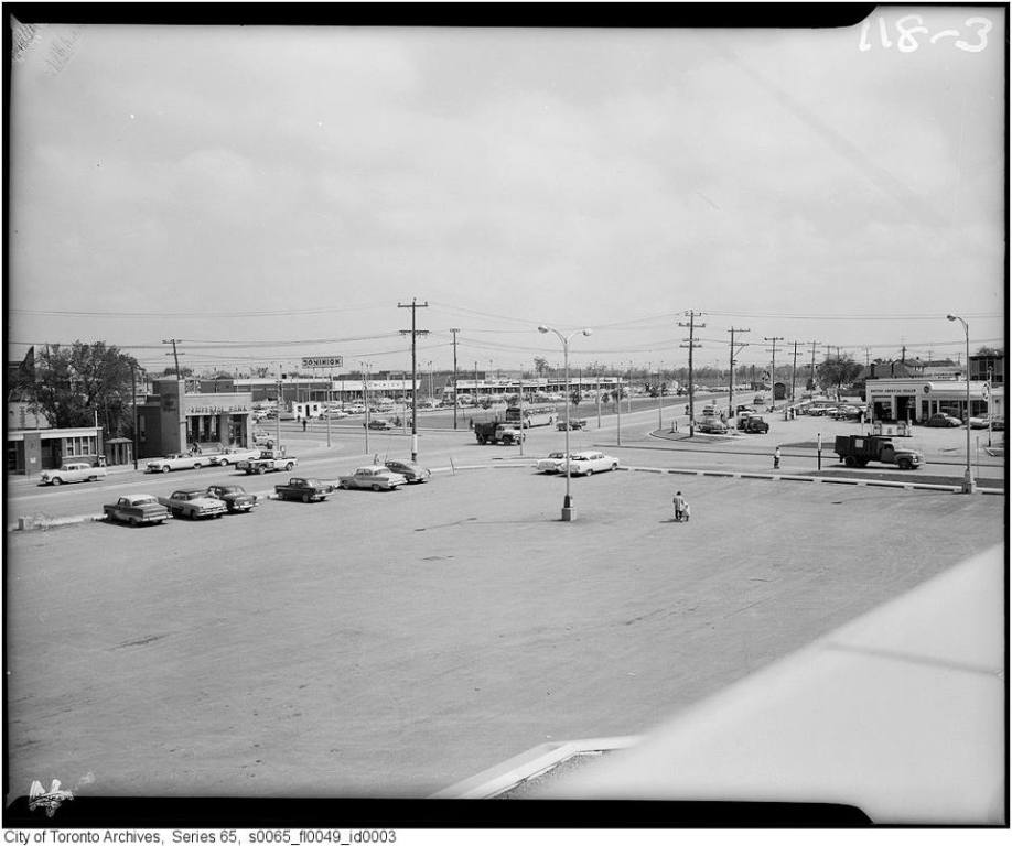 Keele & Wilson looking NE 1959.jpg